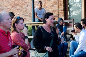 Studiebesök på flyktingförläggning i Karlsborg.