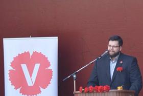 Tal och uppträdanden: Gabryjel Blom från Vänsterpartiet Skövde.